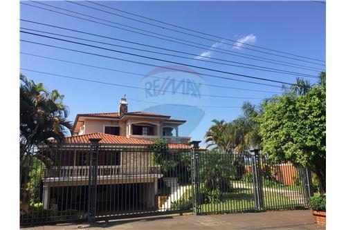 Encarnación, Itapúa - For Sale - 750,000 USD