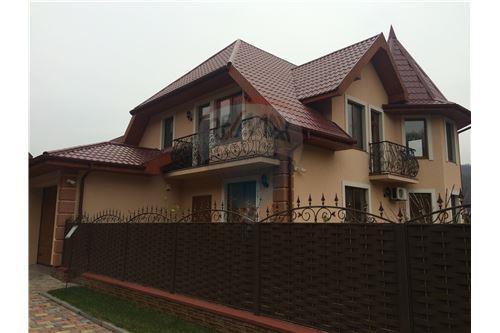 Vynohradivskyi, Vynohradiv - For Sale - 274,800 USD