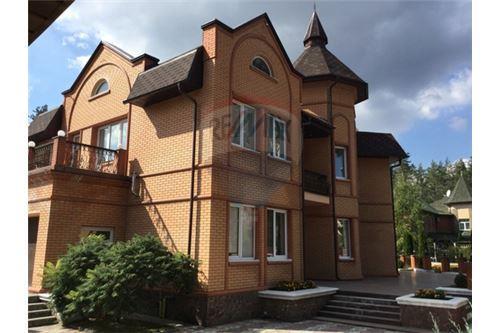Kyievo-Sviatoshynskyi, Kapitanivka - For Sale - 330,000 USD