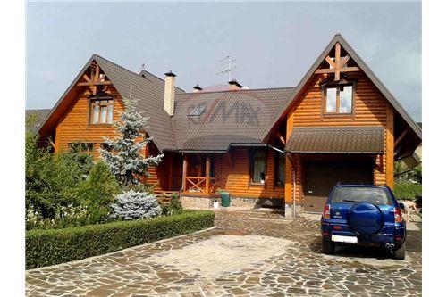 Kyievo-Sviatoshynskyi, Sofiivska Borshchahivka - For Sale - 650,000 USD