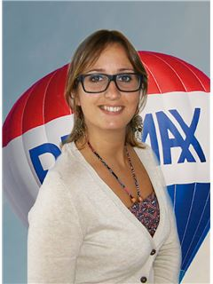 Office Staff - Ana Oliveira - RE/MAX - Spirit