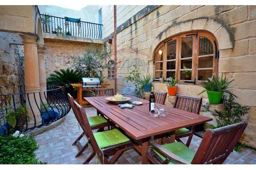 Zejtun, South - For Sale - 365,000 €