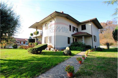 Case e immobili in vendita o in affitto a presezzo bg for Case in affitto bg