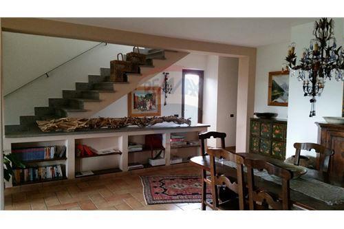 Viterbo, Viterbo - For Sale - 400.000 €