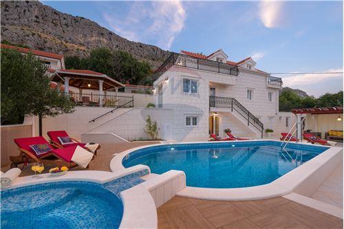 Split, Splitsko-Dalmatinska županija - For Sale - 700,000 €
