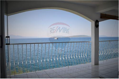 Makarska, Splitsko-Dalmatinska županija - For Sale - 495,000 €