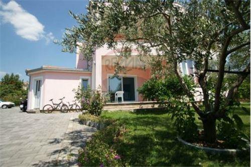 Kastela, Splitsko-Dalmatinska županija - For Sale - 919,000 €