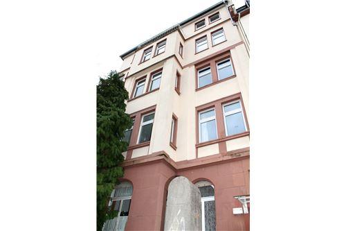 frank sigge re max central in frankfurt frankfurt am. Black Bedroom Furniture Sets. Home Design Ideas