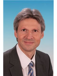 Uwe Hoffmann - Realtor and Real Estate Agent at RE/MAX in Ludwigshafen