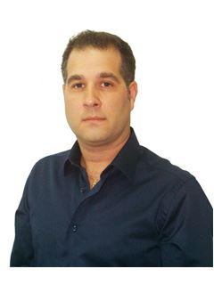 ניב גולדין Niv Goldin - רי/מקס מקצוענים RE/MAX PROFESSIONALS