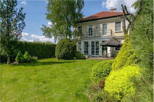 Konstancin-Jeziorna, Mazowieckie - For Rent/Lease - 17,000 PLN